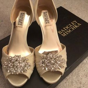 NWT Badgley Mischka wedding shoes!